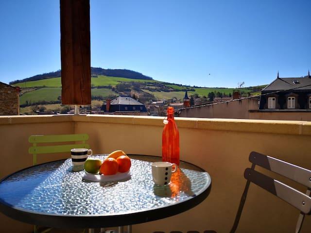 Petit nid douillet parc des volcans d 'Auvergne
