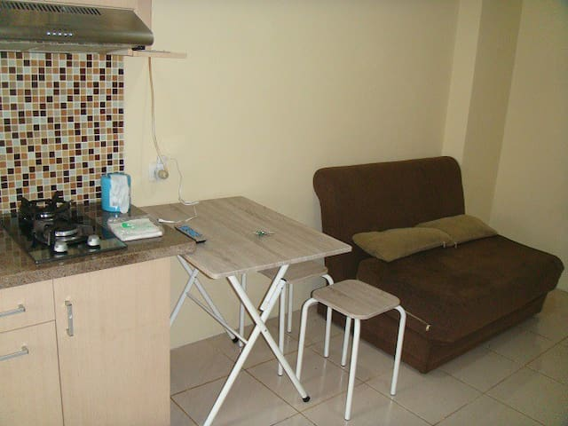 Convenient 2BR Apartment in Kalibata - Pancoran - Apartament