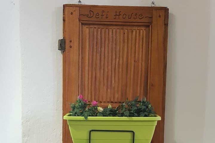 Defi House