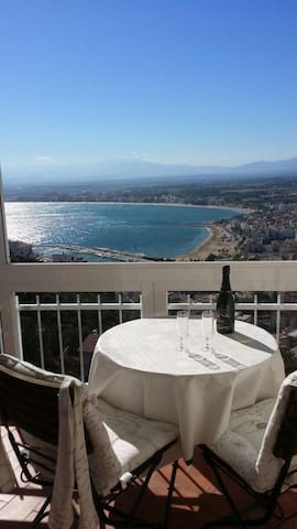 Luxery apartment, sea view, garage, internet