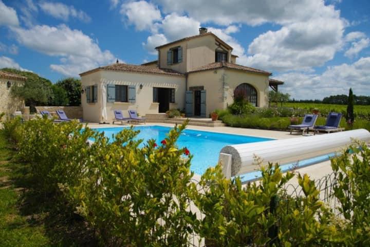 Superbe Villa au cœur des vignes du Grand Mayne