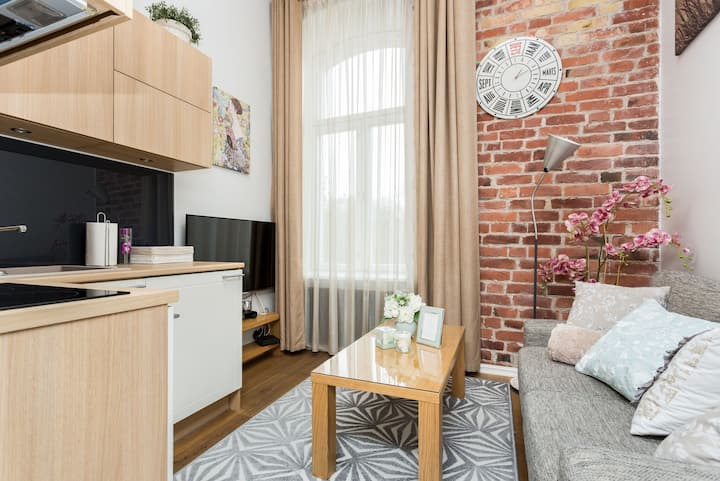 Charming two-level apartment Wild Orchid