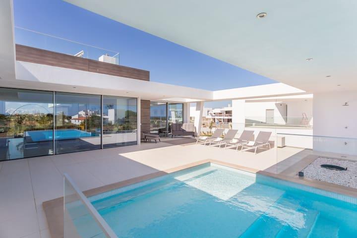 Villa Camilo - real luxury in amazing location