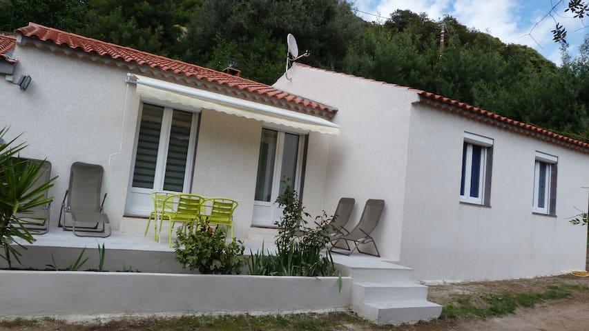 """villa """"u babbu"""", petits coins détente sur notre terrasse"""