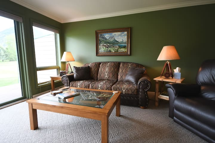 **NEW LISTING** Condo in West Glacier!