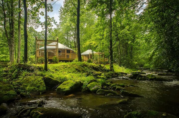 Luxury Yurt Glamping  on a Creek,Hot Tub, Firepit