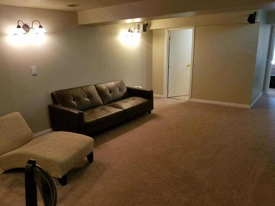Cozy 1 Bedroom Lower Level Apartment For You Apartments For Rent In Milwaukee Wisconsin