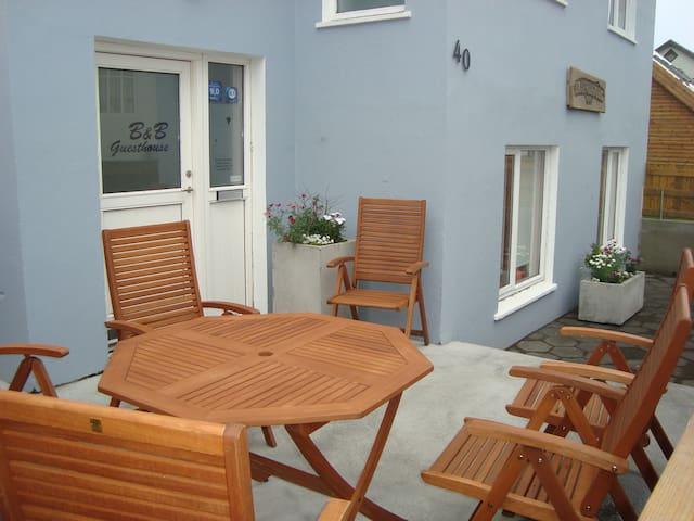 Guesthouse Hrafnabjörg Family room 10