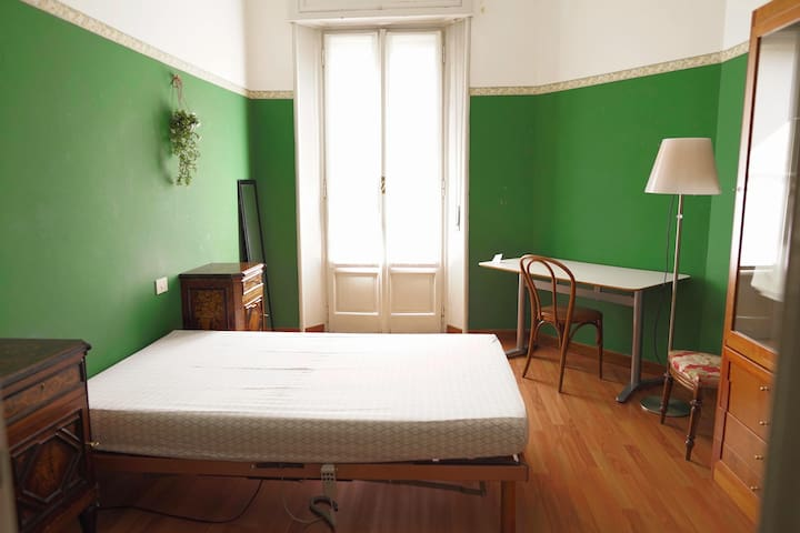 Cozy Single Room in Central Station, Milan
