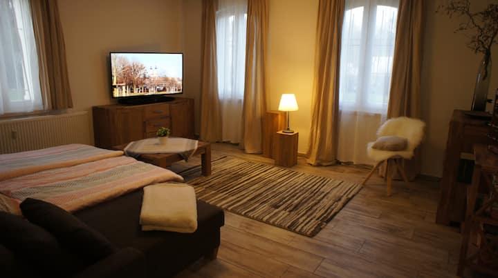 komfortable und geräumige Gästewohnung im Grünen