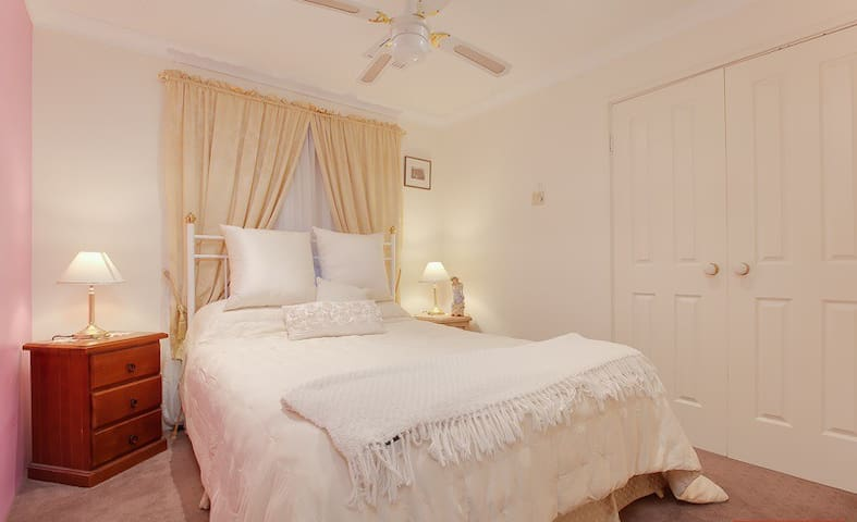 OCEAN EDGE B&B Pet & Child Friendly - Port Kennedy - Szoba reggelivel
