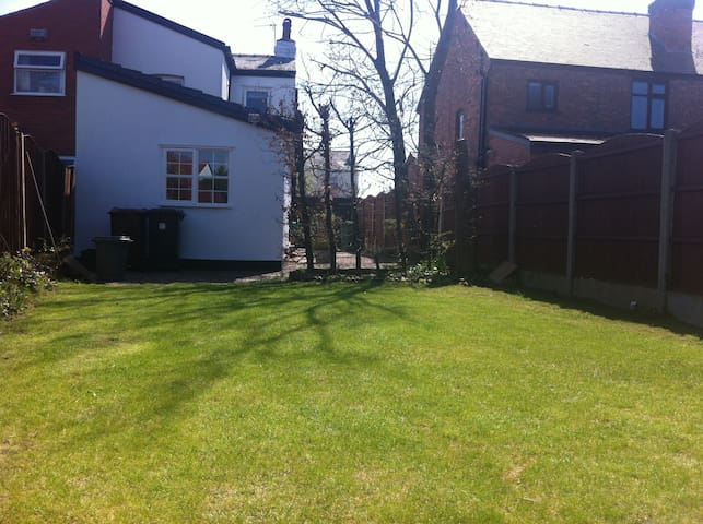 Single Room - Southport - Huis