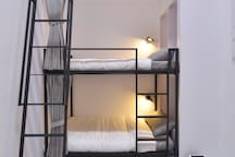 In Style House星空背包房Mixed Dorm bed2捷運信義國小站1分鐘