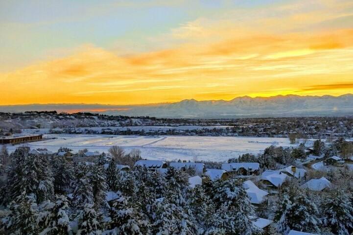 Model E - Panoramic Views Close to Ski Resorts