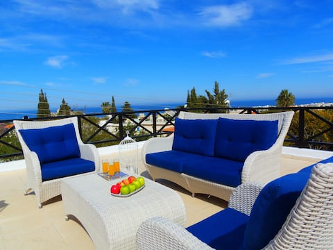 Light & Blue MARELIA Sea View Apartments