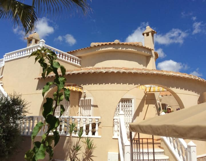 3 Bedrm Villa with pool - Costa Blanca