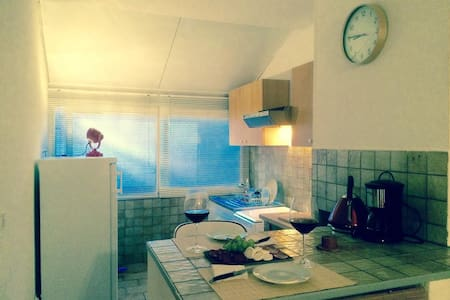 Romantic holiday apartment, Béziers - 베지에