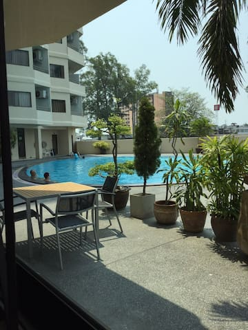 Big flat with view to pool & river - Chiang Mai - Apartament