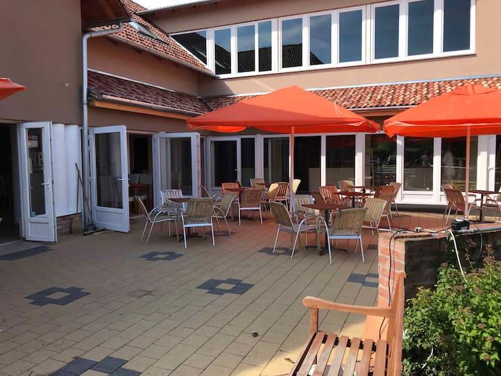 Hotel room for 2 pers in Balatonmáriafürdő R86608