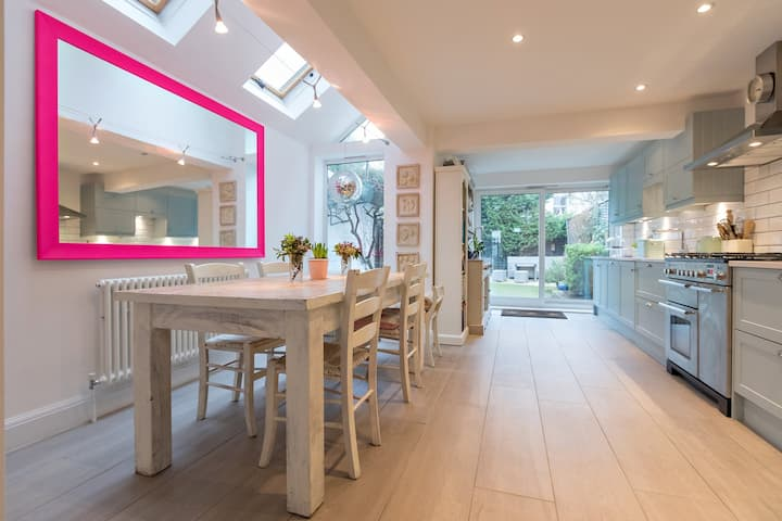 Gorgeous Light & Modern Cottage, in Leafy Barnes