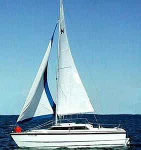 26 foot sailboat near Orillia - Orillia