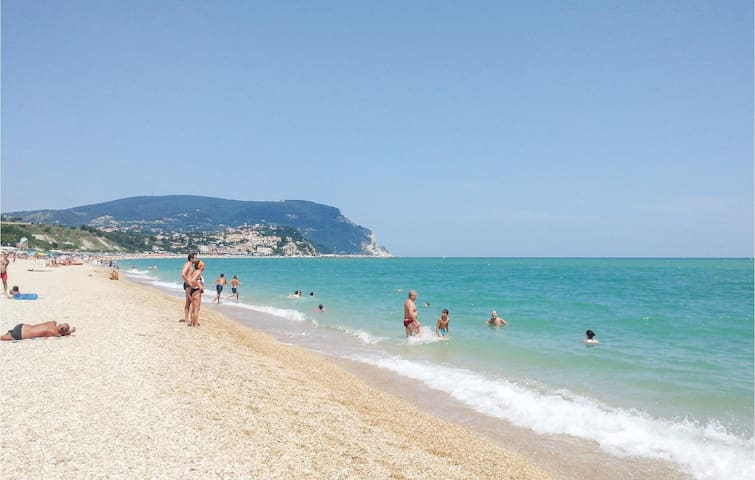 Holiday apartment with 1 bedroom on 70m² in Civitanova Marche -MC-
