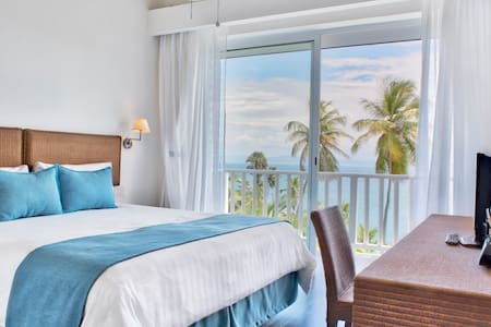 Perfect for an Ocean View  STAYCATION w/FREE WIFI