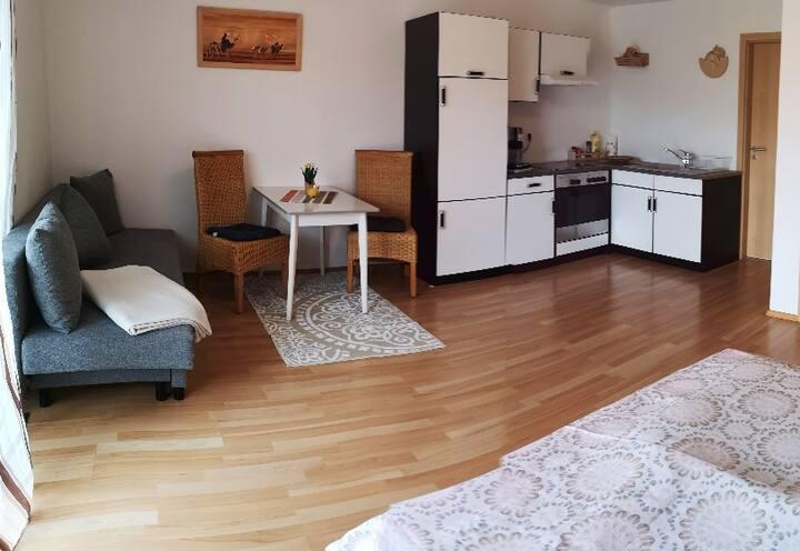 Gästezimmer mit eigenem Bad und Terrasse