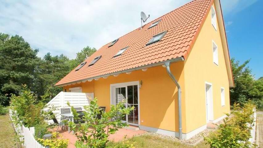 Ferienhaus Lilly - Breege - House