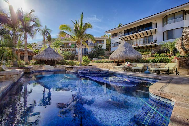 Price and Comfort @ the heart of San Lucas! - Cabo San Lucas - Condominium