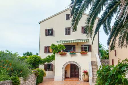 Villa Lana - Osor - 一軒家