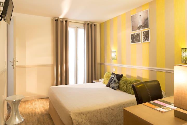 Chambre double privée, au coeur de Paris, Paris 9è