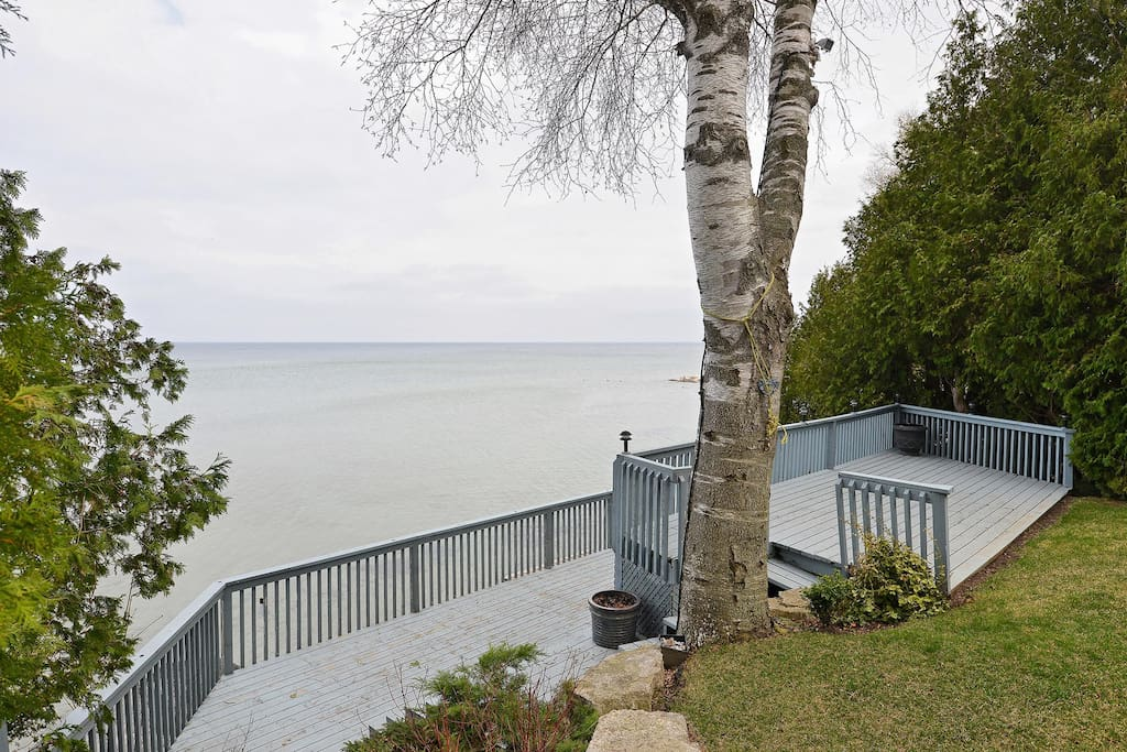 Direct waterfront on Lake Simcoe