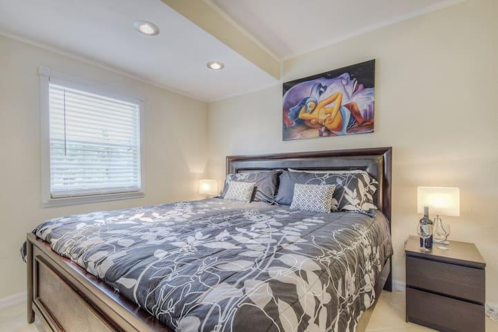 Spacious Guest Studio (no kitchen) - Palm Beach Gardens - Huis
