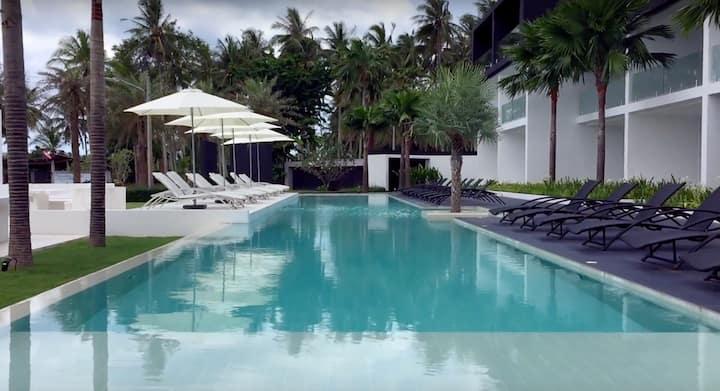 Exclusive 2 bedroom apartment / pool view