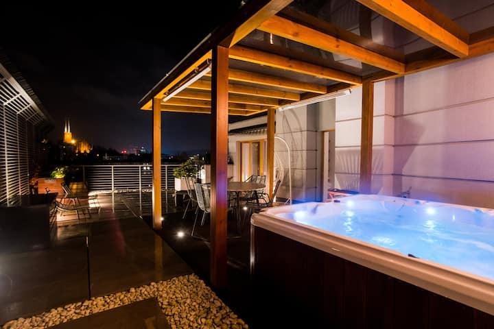Penthouse z tarasem i całorocznym jacuzzi