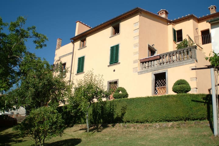 Pretty Apartment in Boccheggiano with Swimming Pool