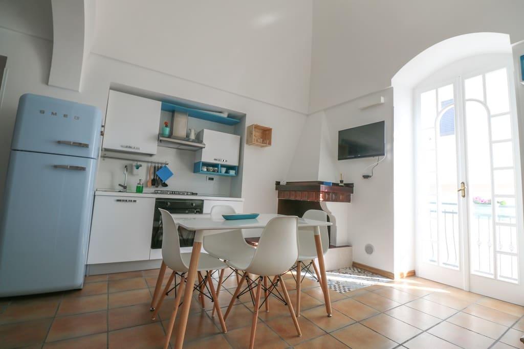 A casa da noi su 2 piani con terrazza panoramica case for Piani artigiani con suite in suocera