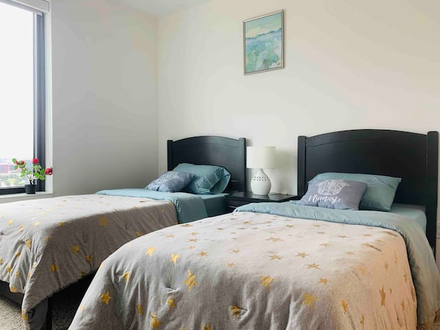 Master Bedroom with two Twin Beds