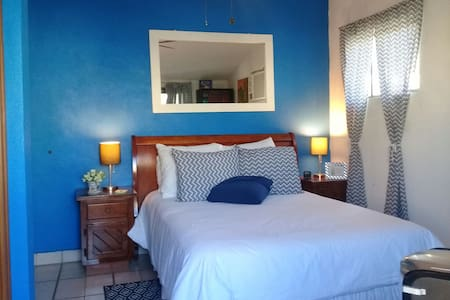 Bedroom near to downtown and beach - San José del Cabo - House