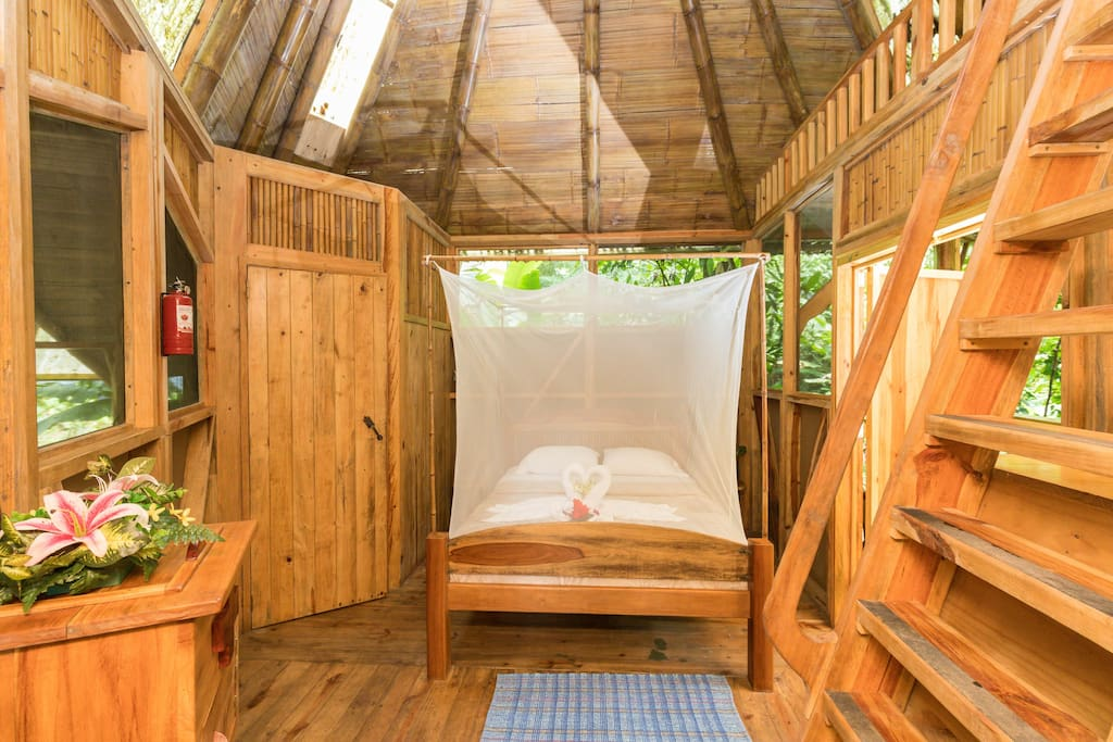 La Torreluna - such a cozy spot to fall asleep to the sounds of the sounds of the rainforest