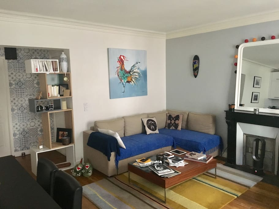 Salon spacieux, amplia sala de estar, غرفة معيشة واسعة