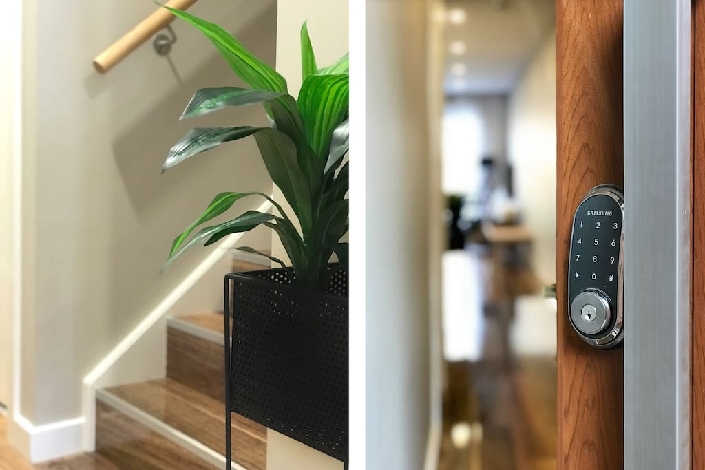 Keyless entry, so you can arrive early or late if you need.  Just let us know what your requirements are. Lock in your dates.... ;-)