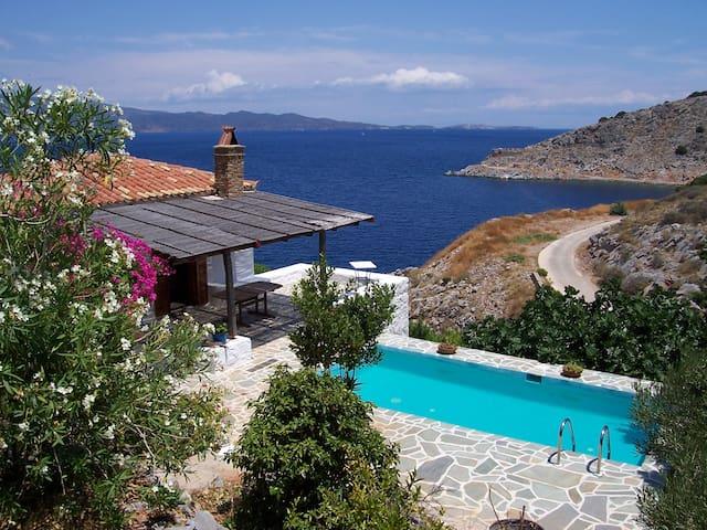 Villa Emilia with swimming pool, terraces, veranda