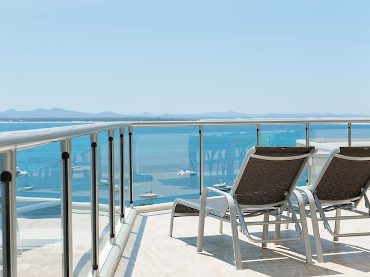 Shoal Bay Penthouse with Ocean Views and Resort Facilities