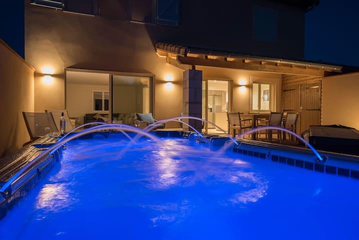 Domaine de La Durantie - Gresigne 8  Spa de nage