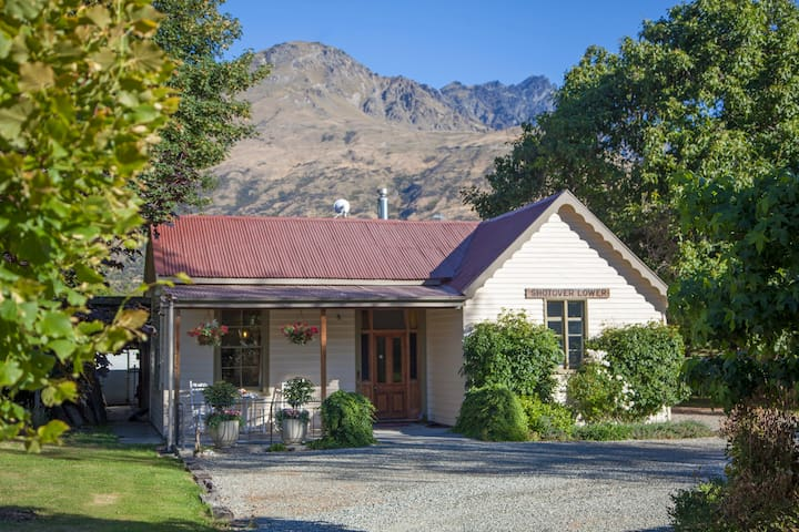 Old School House Queenstown - Queenstown