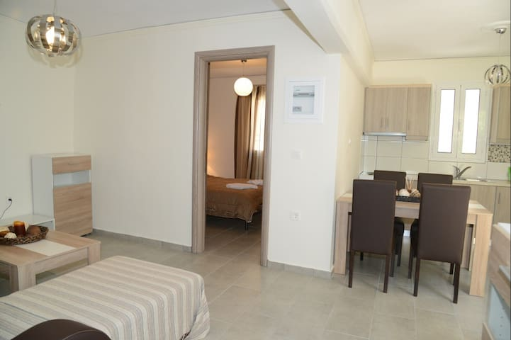 NEW apartment Nafplio, at foot of Palamidi 2 - Nafplio - Talo