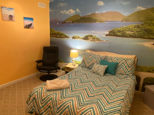 Island Retreat! Bedroom with Private Entry/Access!