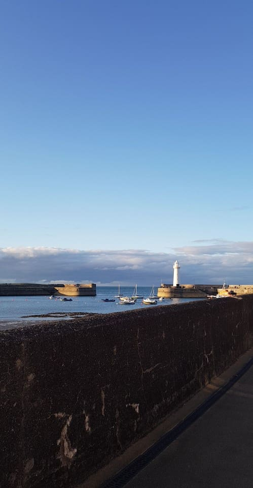 Just a 5 minute walk away from the harbour area, with lots of restaurants and stunning views.